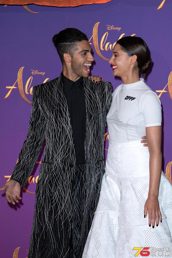 Will-Smith-Naomi-Scott-Mena-Massoud-Aladdin-Paris-Screening-Movie-Red-Carpet-Fas.jpg