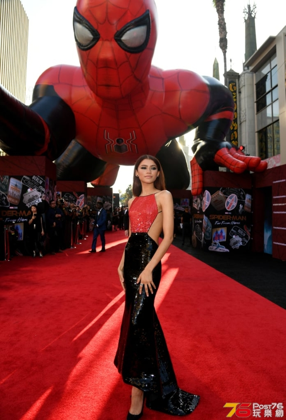S1pider-Man-Far-From-Home-Cast-Premiere-Pictures-2019 (1).jpg