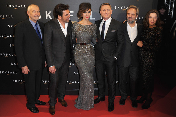 Sam+Mendes+Skyfall+Paris+Premiere+Red+Carpet+oD_BRv118H2l.jpg