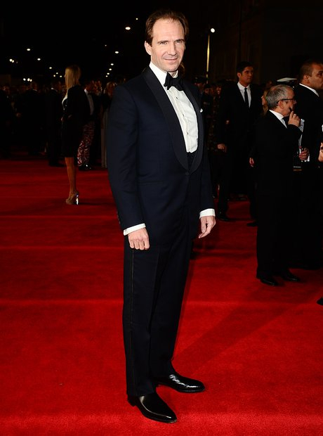 skyfall-007-the-royal-world-premiere--1351016935-view-3.jpg