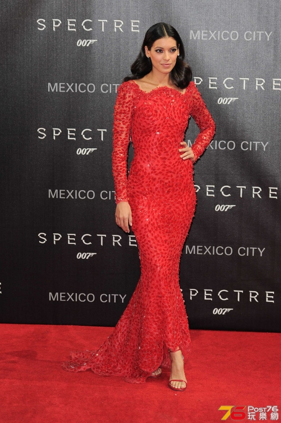 stephanie-sigman-on-red-carpet-james-bond-spectre-latin-america-film-premiere-in.jpg