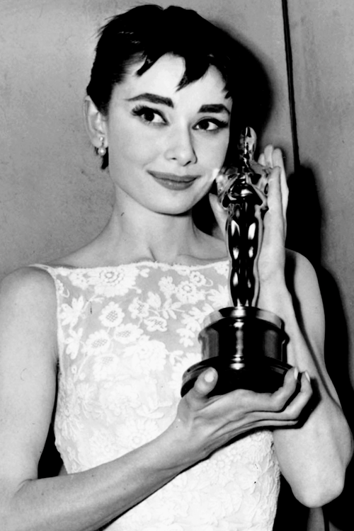 Audrey-Hepburn-at-Academy-Awards.png